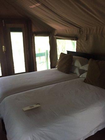 Mashatu Tent Camp: Bed in the tent
