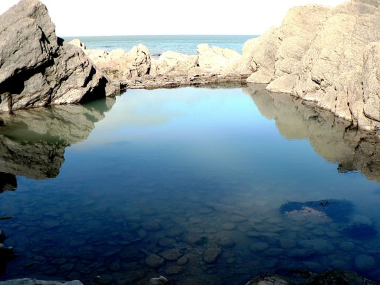 Parracombe, UK: Beautiful Victorian Rock Pool on Woody Bay Beach!