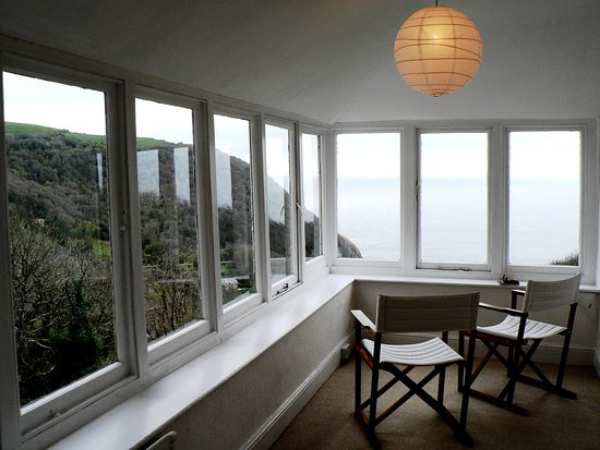 Parracombe, UK: Sun Lounge with remarkable Views of Woodlands & Sea!