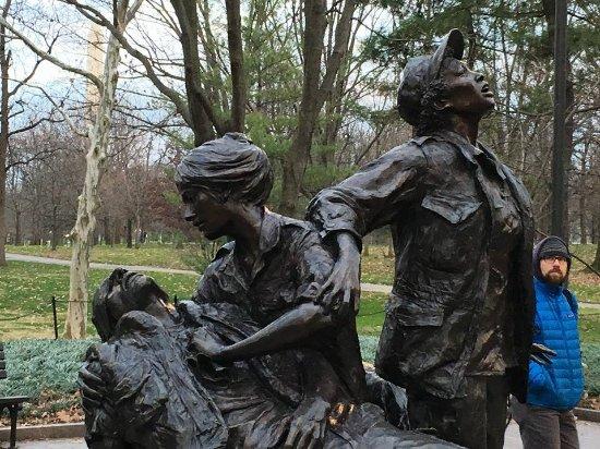 Vietnam Women's Memorial : Can he hear her calling for the medivac?