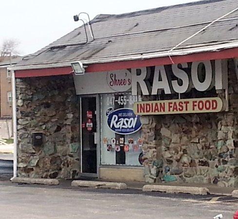 Des Plaines, IL: front of & entrance to Rasoi