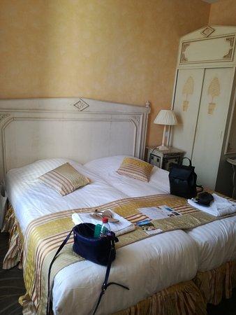 Mosnes, France: IMG_20170413_172109_large.jpg