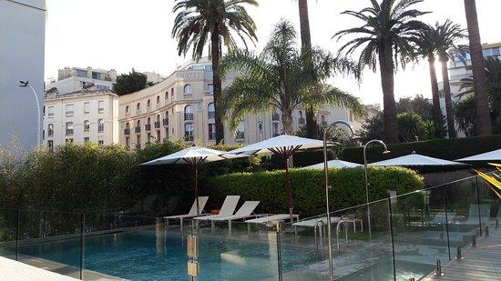 Hotel Le Canberra: 20170406_184247_large.jpg