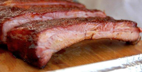Buckingham Smokehouse Bar B Q: Hand's down the best Ribs you'll ever eat!