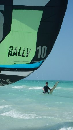 Holbox Kiteboarding School by Casa Las Tortugas : Landing my kite after another great day of riding