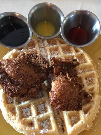 Midlothian, Virginie : Chicken and waffles