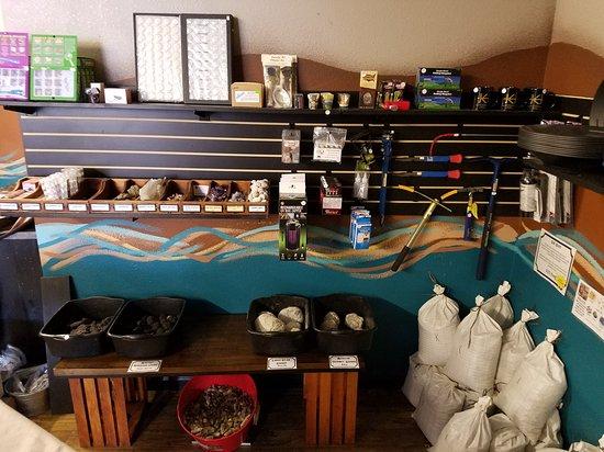 Philipsburg, MT: Just a few pics of the beautiful shop !!