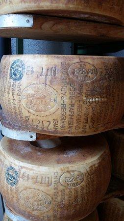 Food Valley Travel & Leisure: Parmigiano-Reggiano aged 24-36 months - yum!