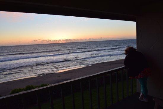 Cavalier Oceanfront Resort: twilight looking to sea, room 274