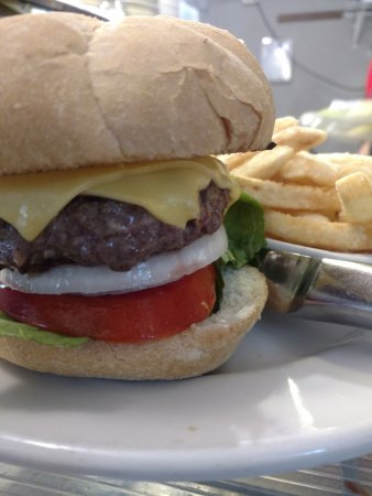 Indian Harbour Beach, FL: Cool Burger taste as good as it looks !!!