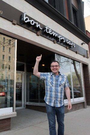 Bon Temps Cafe: You Gotta Eat Here!