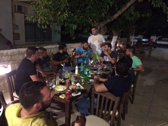 Stavromenos, Grécia: Πετρόμυλος Ψητοπωλειο