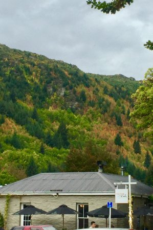 Millbrook Resort : A few photos of the Milbrook Restaurant, golf course and surrounding area of Arrowtown.