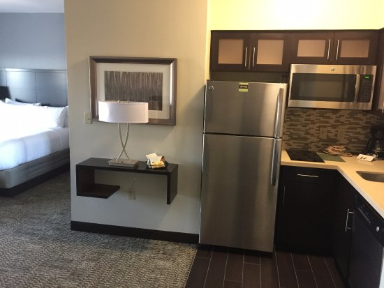 Charmant Staybridge Suites: Queen Efficiency Kitchen