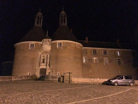 Saint-Fargeau, Francia: photo0.jpg