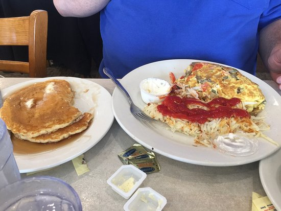 Portage, IN: Greek omelette , Greek salad & Hawaiian omlet!