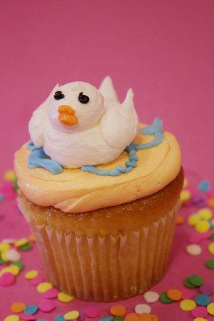 Goleta, CA: Special cupcakes for Easter