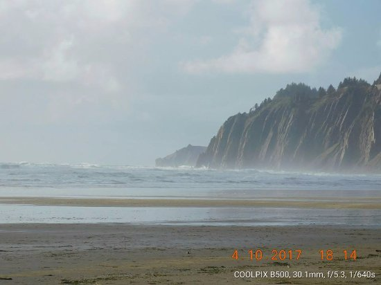 มันซานิตา, ออริกอน: View from the beach.