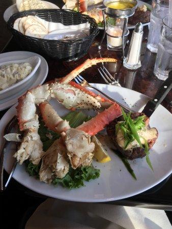 JB Hook's Restaurant: photo0.jpg