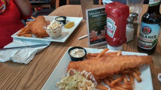 Belleville, IL: Fish & Chips with a Hefe-Weizen ( Beer )