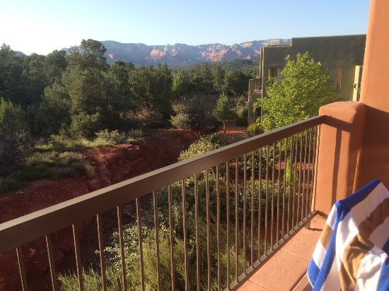 Sedona Summit Resort: Very relaxing time just soaking in this view off the back balcony!