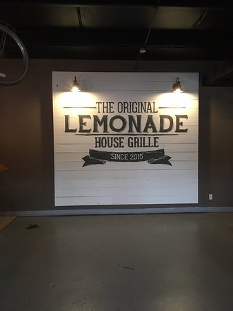 Πόπλαρ Μπλαφ, Μιζούρι: Lemonade House Grill