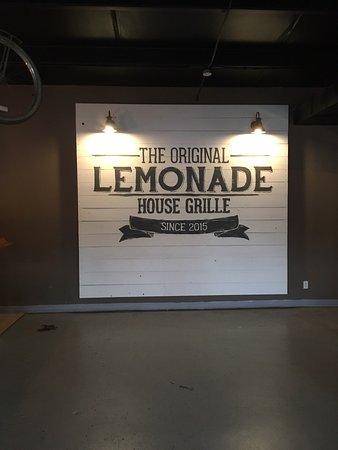 Poplar Bluff, MO : Lemonade House Grill