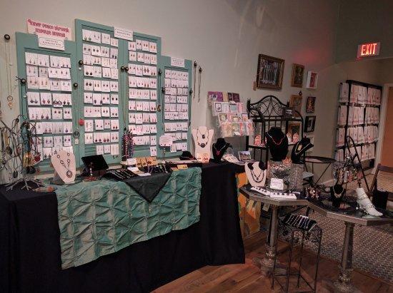 Portsmouth, VA: Handmade jewelry