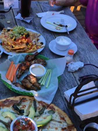 Arrived on Isla starving, off to Barlito. Best apps: nachos, Mexican pizza, & habanero wings,