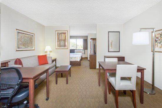 Midwest City, OK: Newly renovated Double Suite.
