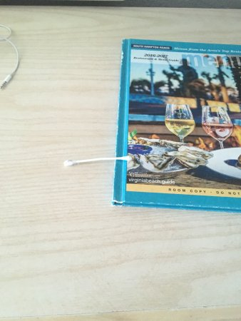 Quality Inn & Suites Oceanfront: Nice free q-tip