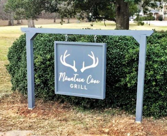 Chickamauga, GA: Mountain Cove Grill