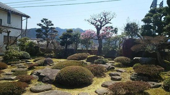 Echizen, Japan: 中から見えるお庭