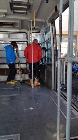 Luftseilbahnen Wengen–Männlichen: Doesn't remain this empty for long