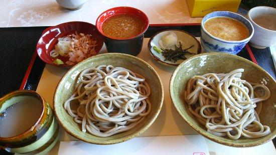 Echizen, Japan: 名物 おろししょうがそばとおろしそばセット