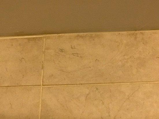 Hilton Garden Inn Tulsa South Tile Measurements Left On The