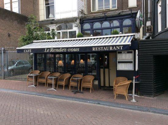 Romantic rendezvous in amsterdam