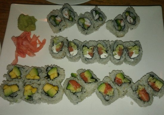 Louisville, CO: Sushis : salmon cream cheese avocado - shrimp asparagus cream cheese - Mango avocado - avocado c