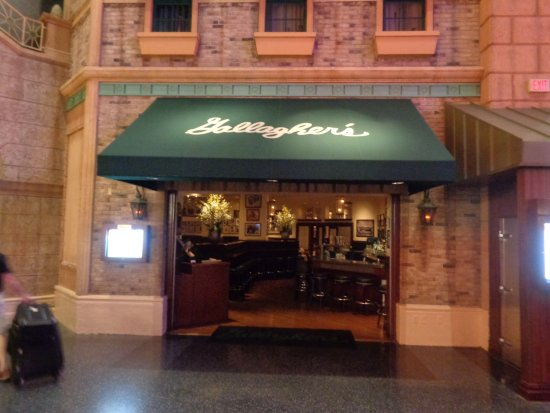 Gallagher's Steakhouse: Front