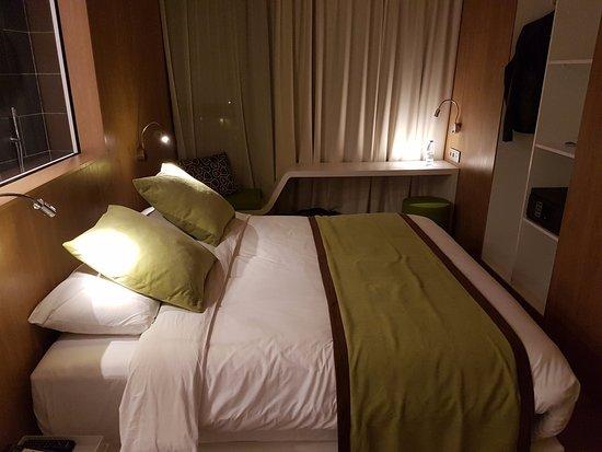 Literie d'excellente qualité Picture of Seen Hotel