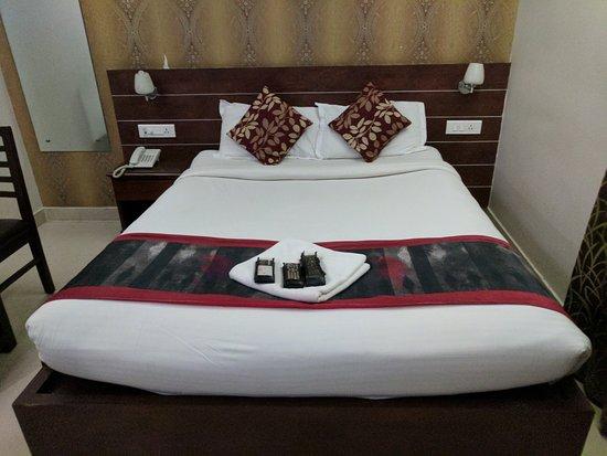 Status Fine Dine Hotel & ZO Rooms