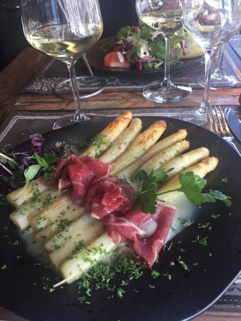 Rochefort, Belgium: zeer goede asperges