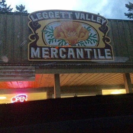 Leggett, Californie : Near by store