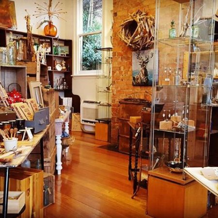 Deloraine, Australia: Inside the Brush Rabbit gift shop