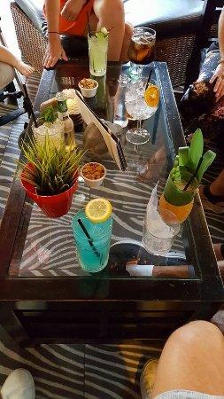 Monkey Bar & Grill: Excellent cocktails