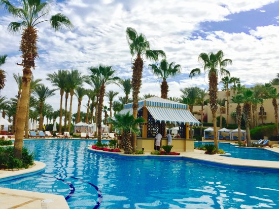 "Four Seasons Resort Sharm El Sheikh: Hauptpool ""Waha"""