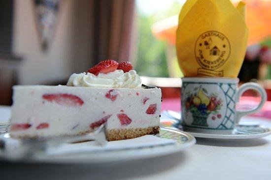 Rosengarten, Γερμανία: Quark Sahne Torte mit Erdbeeren