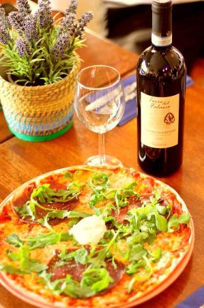 Vanersborg, Sweden: Pizza Bresaola med ripasso vin