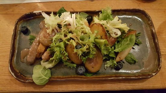Zur Letzten Instanz: lamb sausages and pear