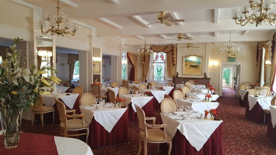 The Green Park Hotel: The dining Room